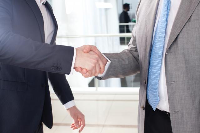 家庭教師の契約方法【派遣会社経由と個人契約の違いは?】