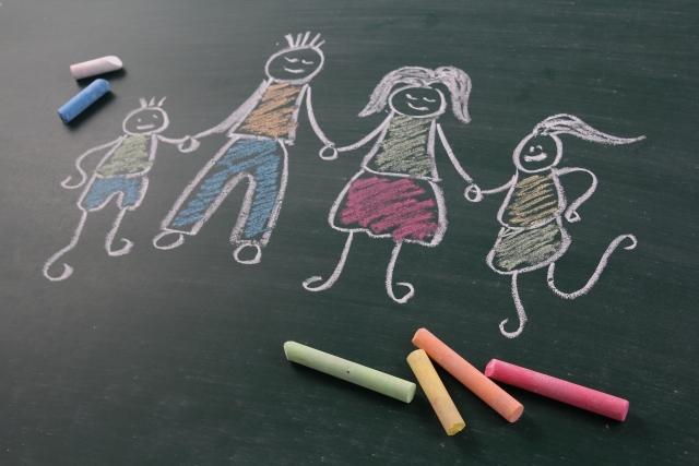 幼児教育や小学校受験に家庭教師は必要?家庭教師利用のメリット・デメリット